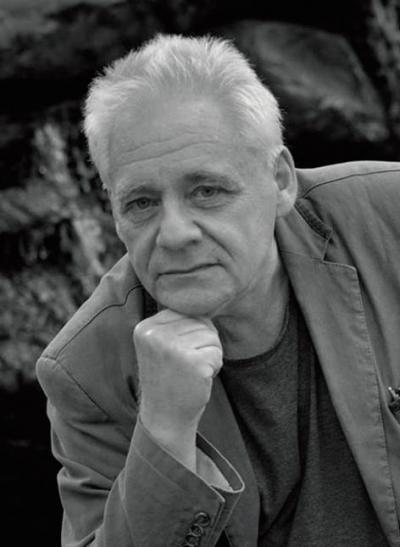 Tomasz Jastrun - poeta, prozaik, felietonista, eseista, krytyk literacki